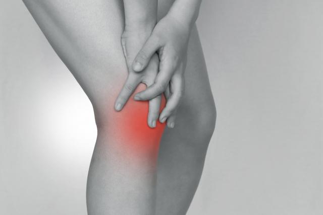 甘く見ないで!膝の痛みと違和感