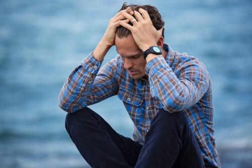 ストレスを抱える人